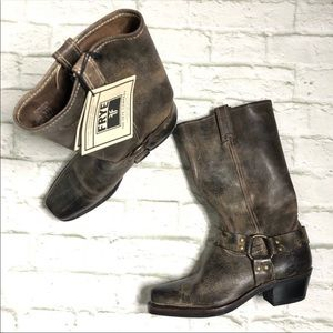 Frye NWT Vintage Harness Chocolate boots